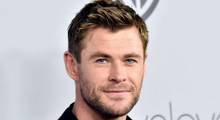 Chris Hemsworth, o Thor das telonas, surpreende ao performar música de Miley Cyrus