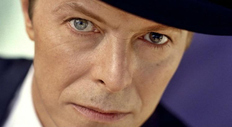 """I Can't Give Everything Away"", clipe póstumo de David Bowie, é lançado"