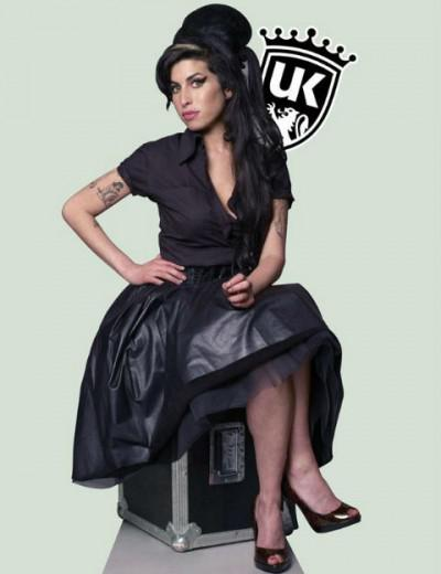 Amy Winehouse ganha drink no UK